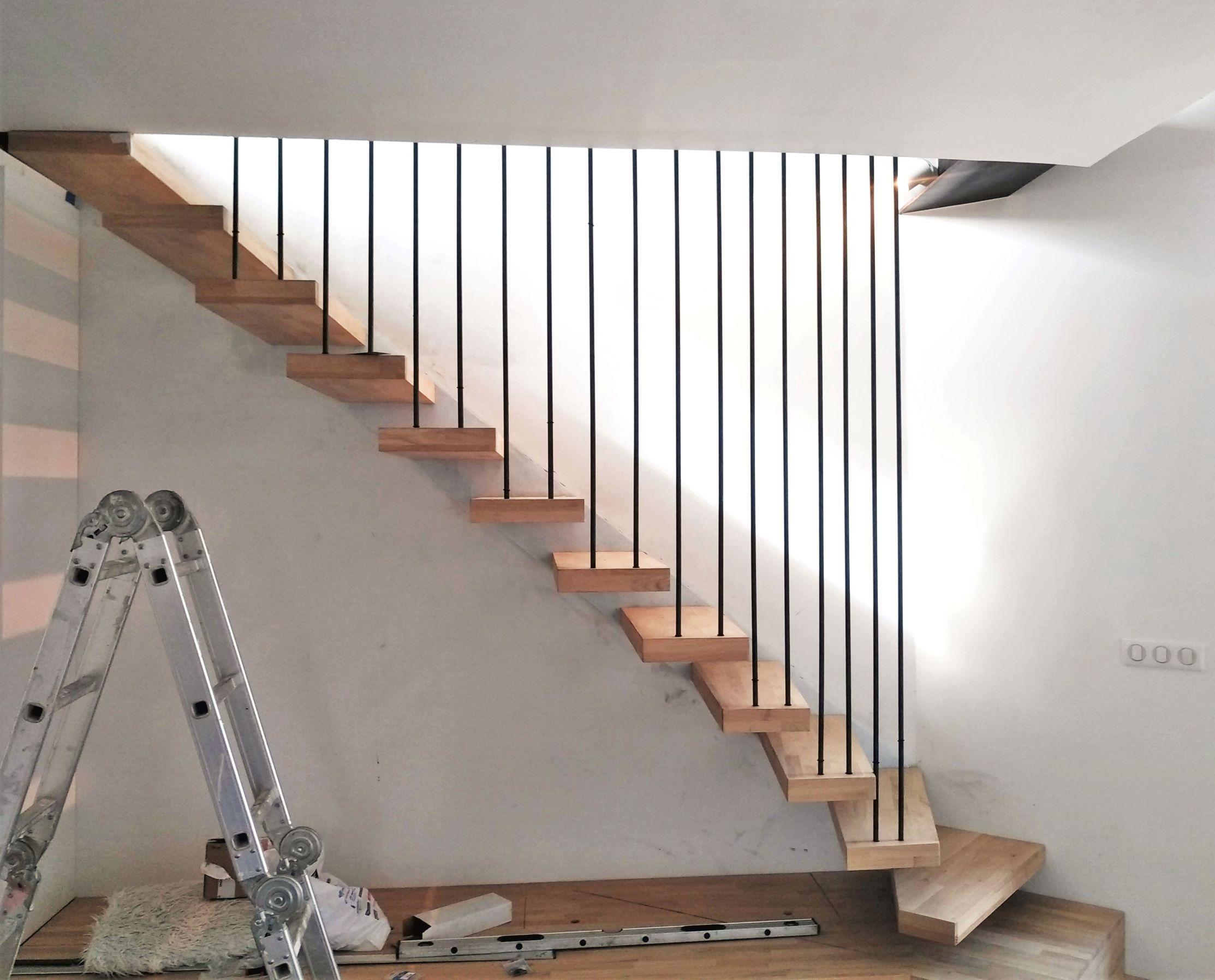 Inox-Ngo-ferronnier-Marseille-escalier-flottant-bois-métal-55r