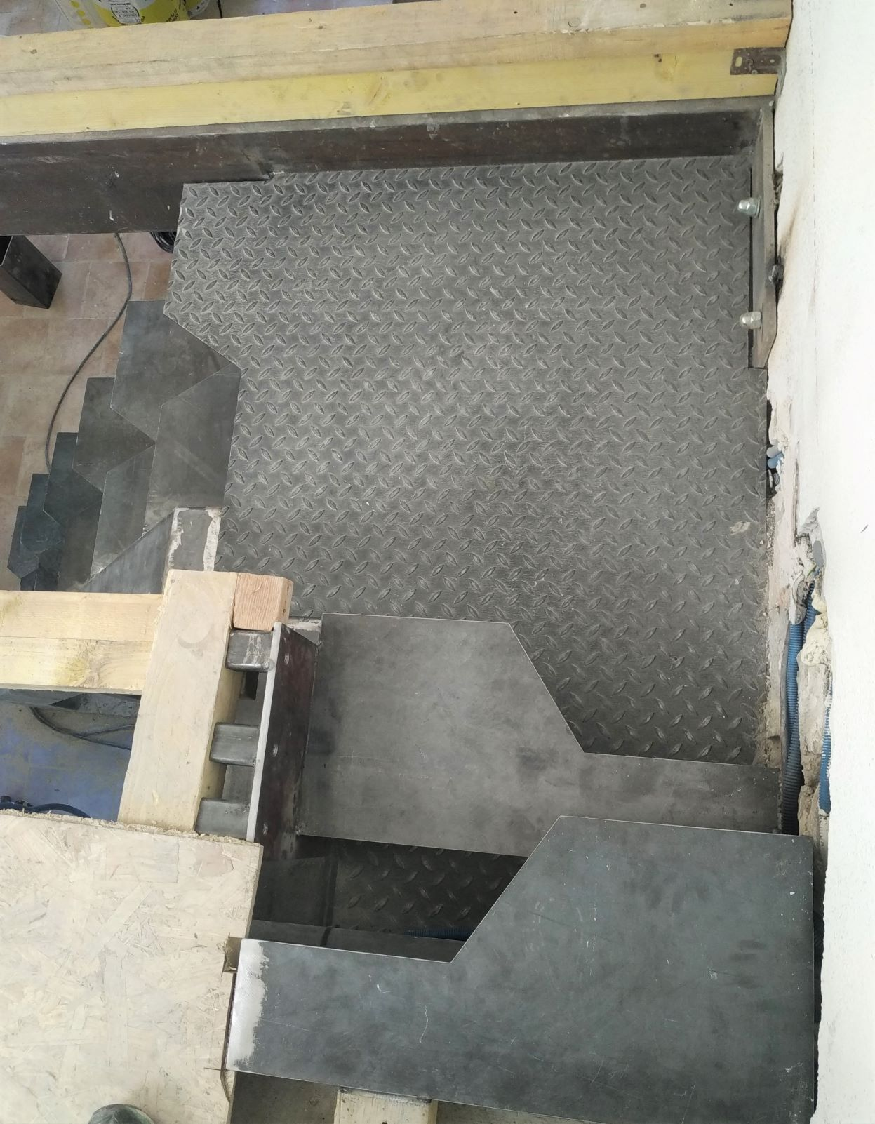inoxngo ferronnier Marseille - fabrication escalier pas japonais 1r